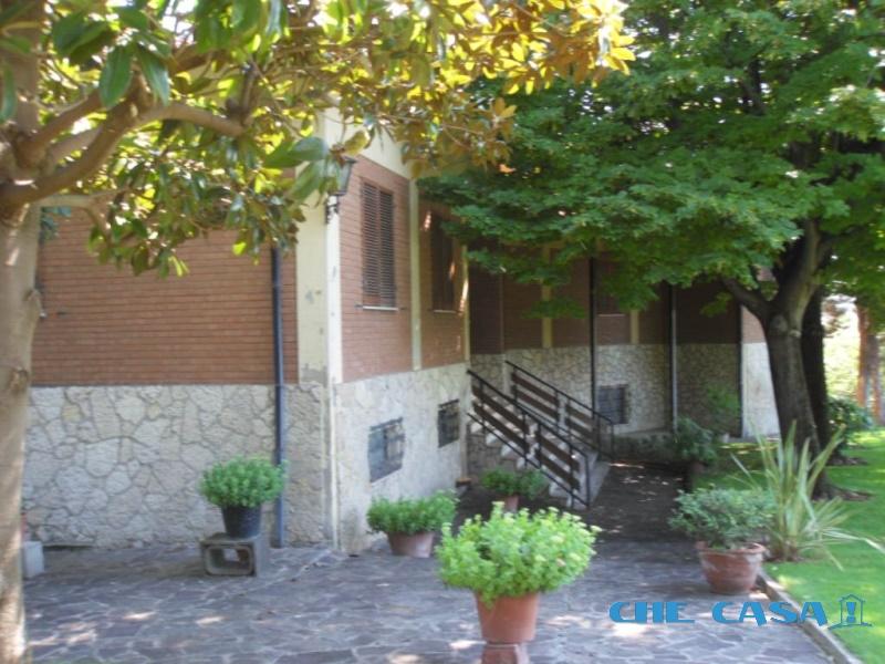 Villa vendita CORIANO (RN) - 7 LOCALI - 300 MQ